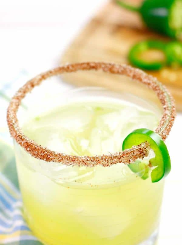 Alcoholic Drinks – BEST Spicy Jalapeno Margarita Recipe – Easy and Simple Margarita On The Rocks – How To Make Homemade Margarita