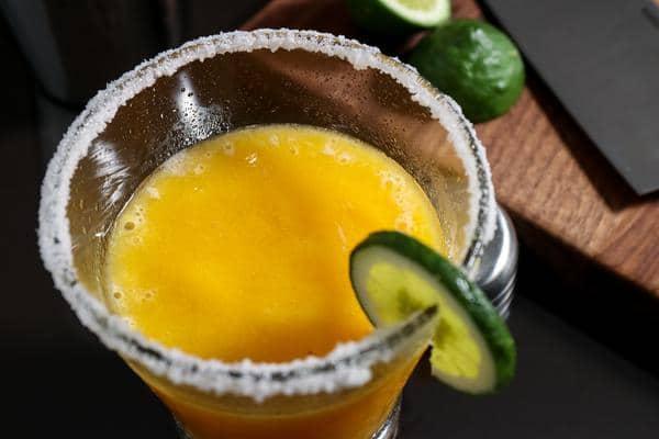 Alcoholic Drinks – BEST Peach Margarita Recipe – Easy and Simple Frozen Margarita - How To Make Homemade Margarita
