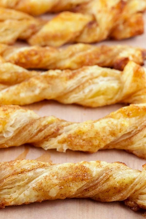 Cinnamon Roll Twists! EASY Cinnamon Roll Idea – Quick & Simple Recipe – BEST Cinnamon Twists – Snacks – Desserts – Breakfast