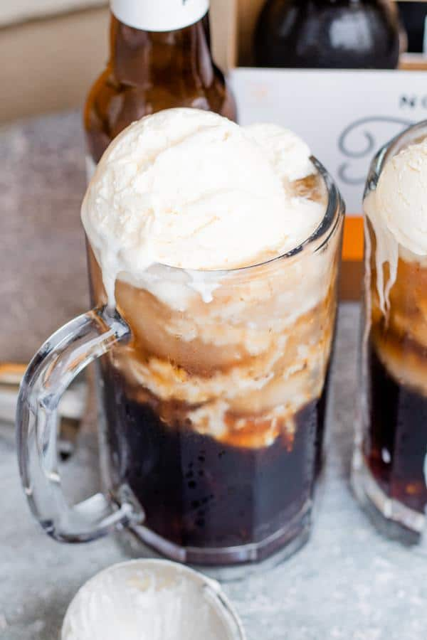 Alcoholic Drinks – BEST Boozy Root Beer Float Recipe – Easy and Simple Cocktail – How To Make Homemade Alcohol Cocktails