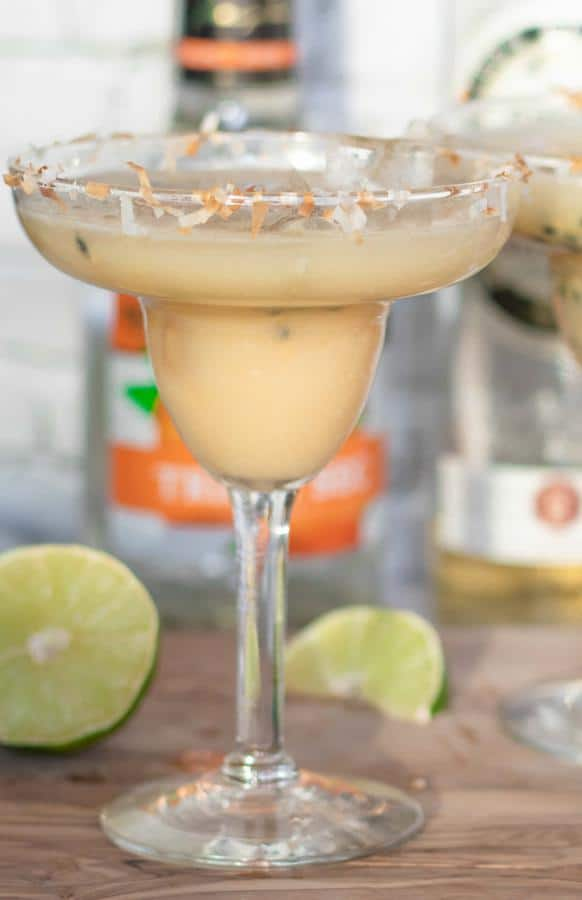 Alcoholic Drinks – BEST Passionfruit Coconut Hawaiian Margarita Recipe – Easy and Simple Margarita On The Rocks – How To Make Homemade Margarita