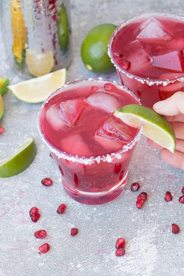 Alcoholic Drinks – BEST Pomegranate Margarita Recipe – Easy and Simple Margarita On The Rocks – How To Make Homemade Margarita