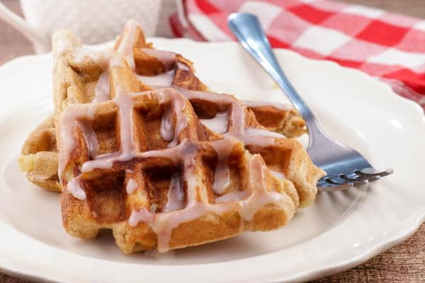 Easy Waffles – Best Homemade Glaze Apple Fritter Waffle Recipe – {Easy} Breakfast – Dinner – Snacks – Desserts – Quick – Simple