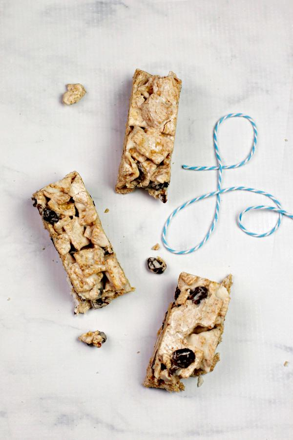 5 Ingredient Cereal Bars – Best Homemade Cinnamon Toast Cereal Bar Recipe – {Easy} Breakfast – Snacks – Desserts – Quick – Simple