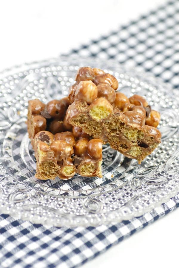 Cereal Bars – Best Homemade Reese's Peanut Butter Cereal Bar Recipe – {Easy} Breakfast – Snacks – Desserts – Quick – Simple