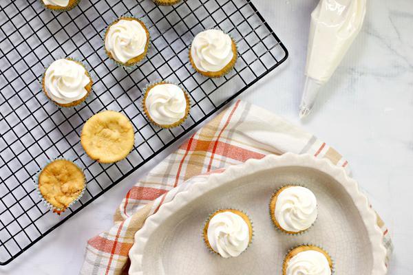 Cereal Cinnamon Toast Crunch Cupcakes