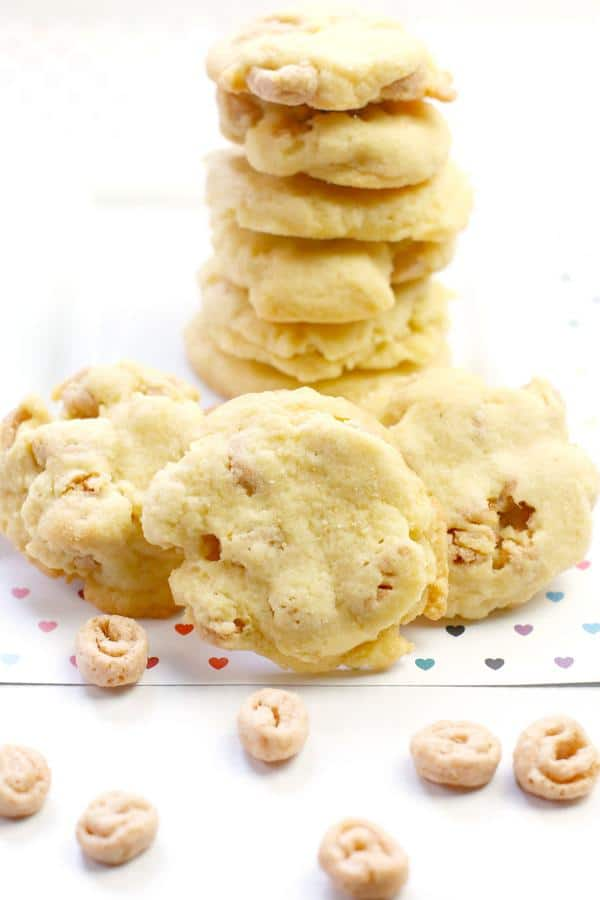 Easy Cookies – Honey Bun Cereal Cookie Recipe – BEST Homemade Cookies – How To Make – Quick – Simple – Desserts – Snacks – Party Food