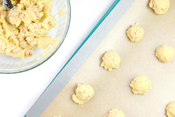 Cereal Honey Bun Cinnamon Roll Cookies