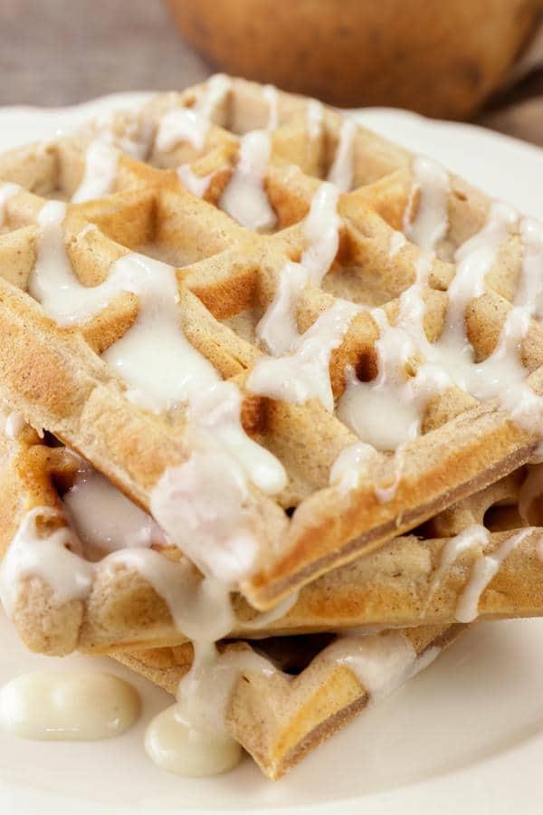 Easy Waffles – Best Homemade Cinnamon Roll Waffle Recipe – {Easy} Breakfast – Dinner – Snacks – Desserts – Quick – Simple