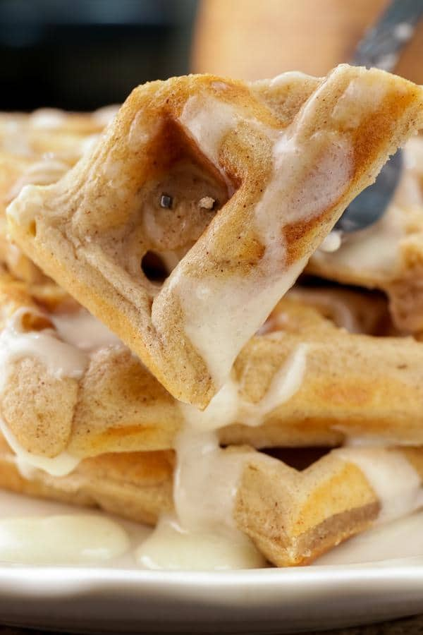 Easy Waffles – Best Homemade Cinnamon Roll Waffle Recipe – {Easy} Breakfast – Dinner – Snacks – Desserts – Quick – Simple