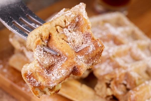 Easy Waffles – Best Homemade French Toast Waffle Recipe – {Easy} Breakfast – Dinner – Snacks – Desserts – Quick – Simple