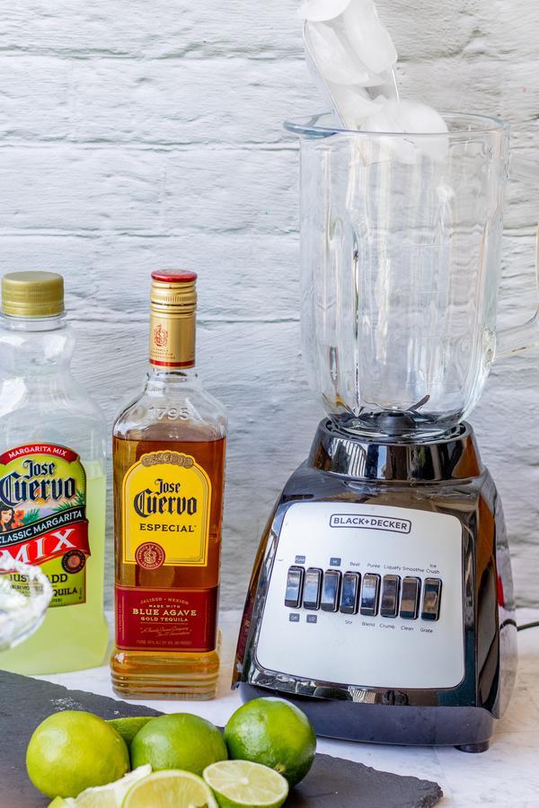 Alcohol Drinks Frozen Margarita