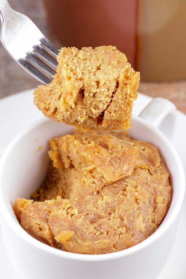 3 Ingredient Keto Peanut Butter Mug Cake – BEST Peanut Butter Cake In A Mug Recipe – {Easy} NO Sugar Low Carb Recipe – Desserts – Snacks