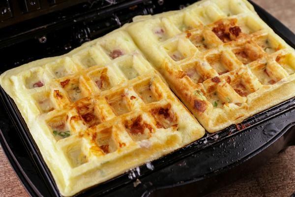Omelette Waffles