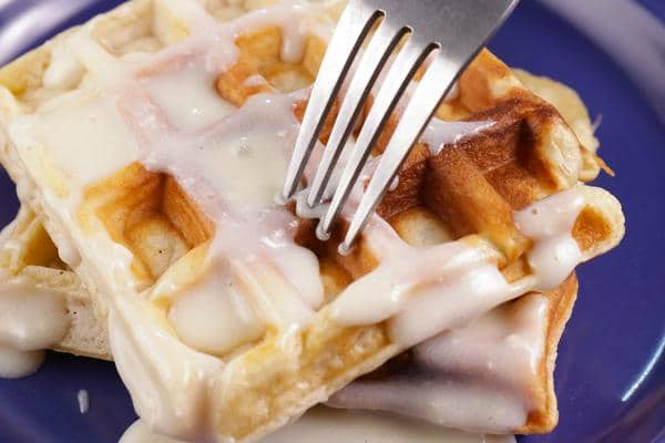 Easy Gluten Free Waffles – Best Homemade Gluten Free Cinnamon Roll Waffle Recipe – {Easy} Breakfast – Dinner – Snacks – Desserts – Quick – Simple
