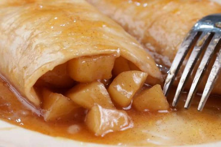 Easy Apple Pie Enchiladas – Best Homemade Caramel Apple Pie Recipe – {Easy} Recipes – Snacks – Desserts – Breakfast – Quick – Simple