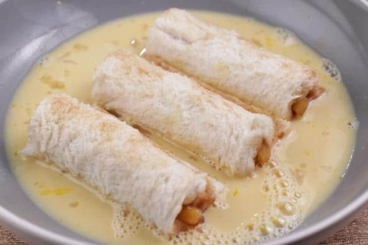 Apple Pie French Toast Roll Ups