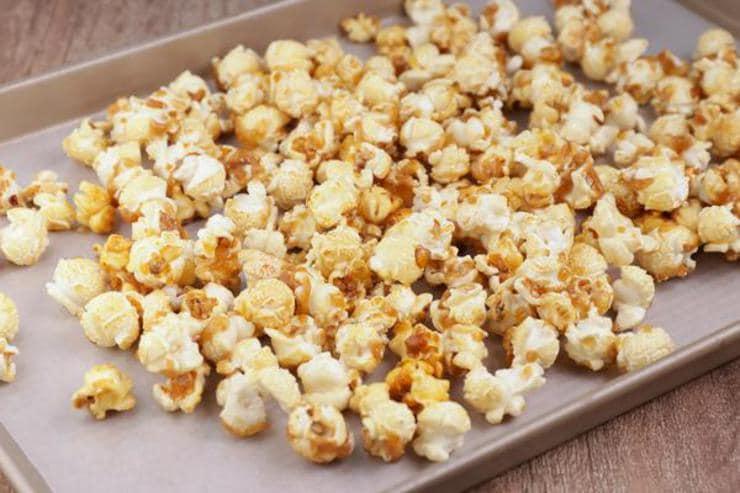Gingerbread Caramel Popcorn
