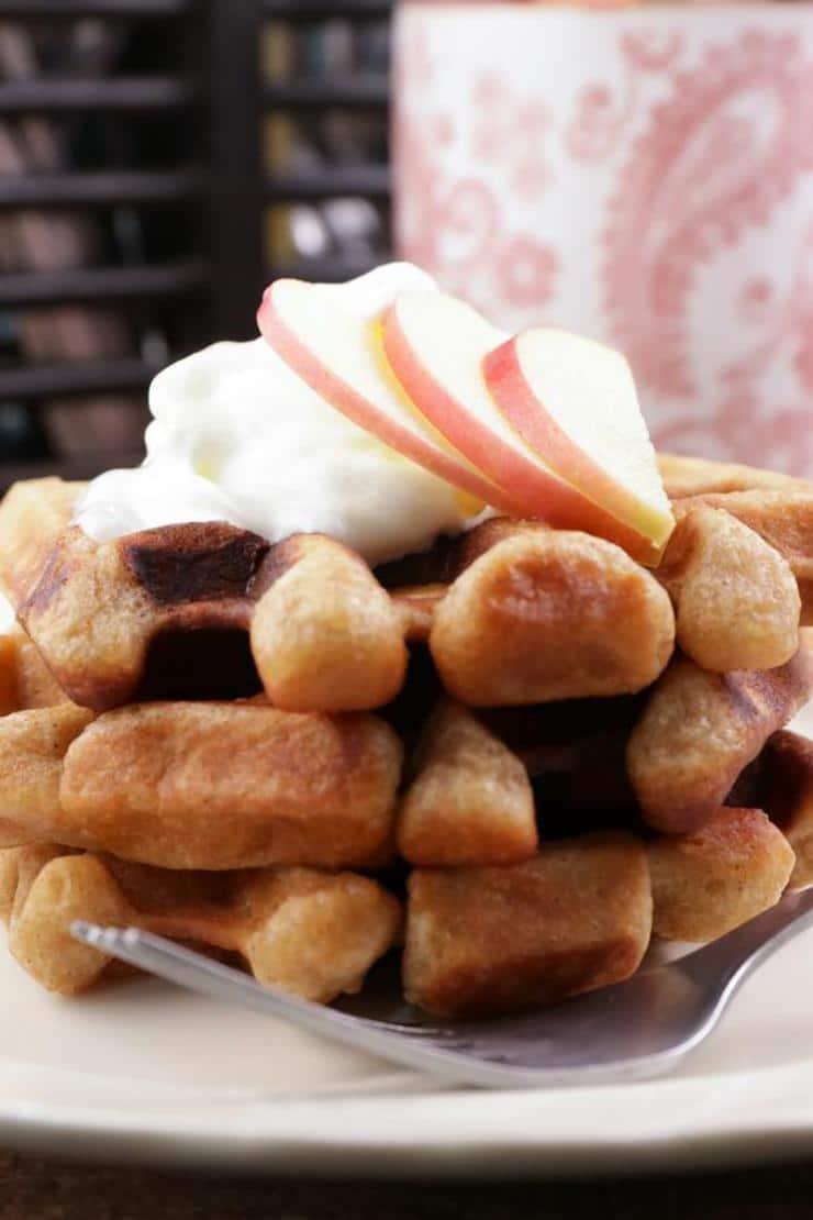 Easy Apple Pie Waffles – Best Homemade Apple Pie Recipe – {Easy} Recipes – Snacks – Desserts – Breakfast – Quick – Simple