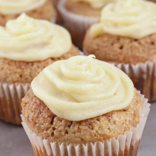 Easy Cinnamon Roll Muffins – Best Homemade Cinnamon Roll Muffin Recipe – {Easy} Recipes – Breakfast – Snacks – Desserts – Quick – Simple