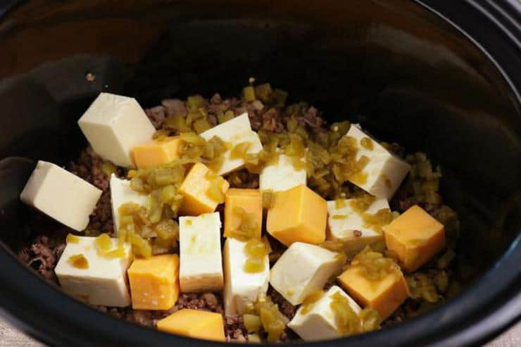 Crockpot Beef Queso Dip