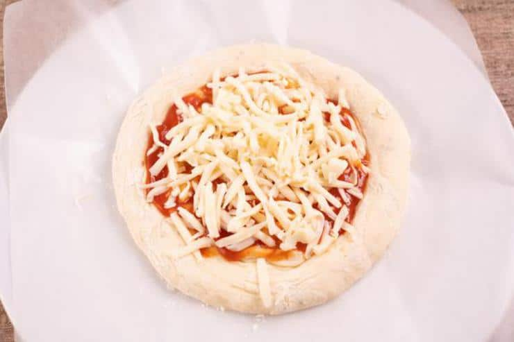 1 Minute Microwave Pizza