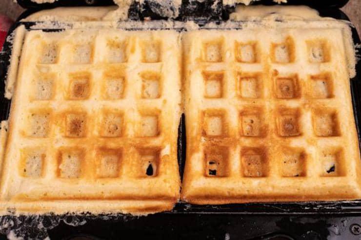 Easy Waffle Breakfast Sandwich