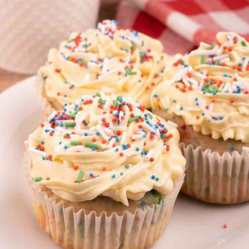 Easy Cupcakes - Best Confetti Cupcake Recipe - Funfetti - Desserts – Snacks - Party Food