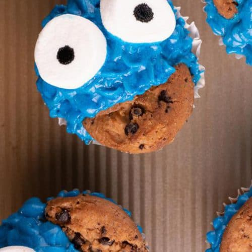{Easy} Cookie Monster Cupcakes – Best Homemade Cookie Monster Cupcake Recipe – Kids Party Food – Desserts - Quick – Simple