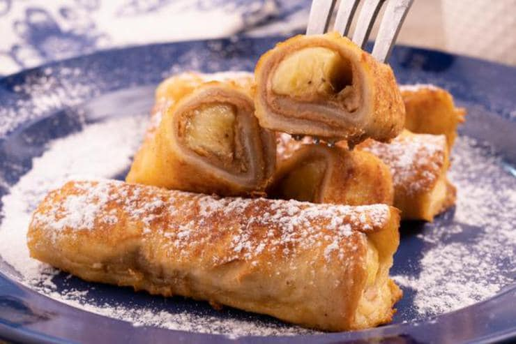 Easy Peanut Butter Banana French Toast Roll Ups