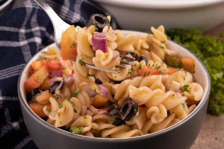 Easy Bruschetta Pasta Salad