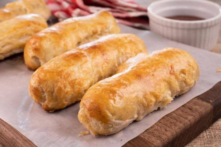Easy Cheese Stuffed Bread Sticks