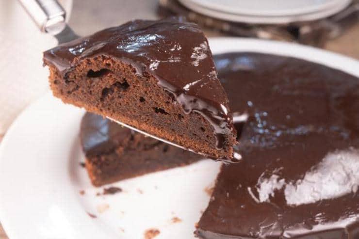 Easy Chocolate Brownie Cake