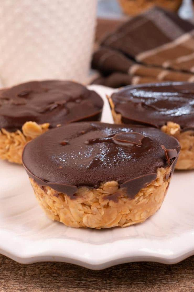 Easy No Bake Chocolate Peanut Butter Granola Cups - Best Desserts - Snacks - Party Food
