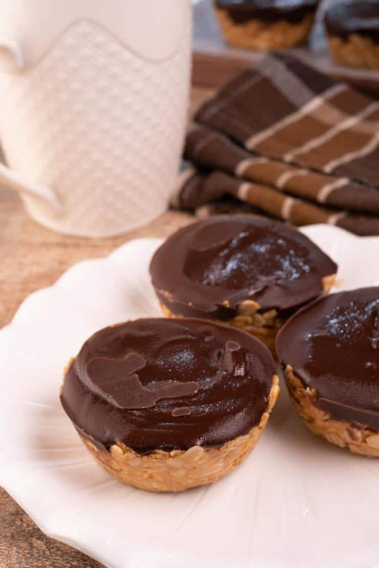 Easy Chocolate Peanut Butter Granola Cups
