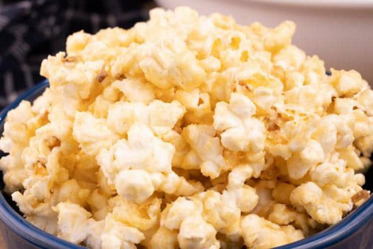 Easy Cinnamon Roll Popcorn