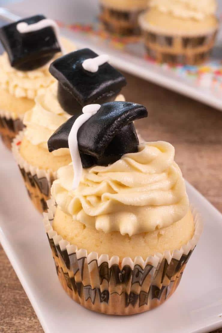 Easy Graduation Cupcakes