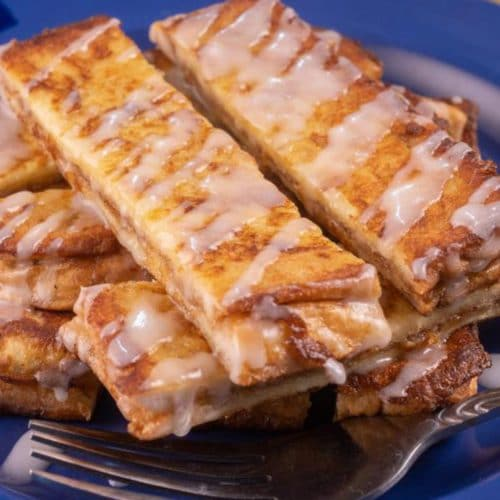 Best French Toast – Homemade Cinnamon Roll French Toast Sticks Recipe – {Easy} Breakfast – Snacks – Desserts – Party Food – Quick – Simple