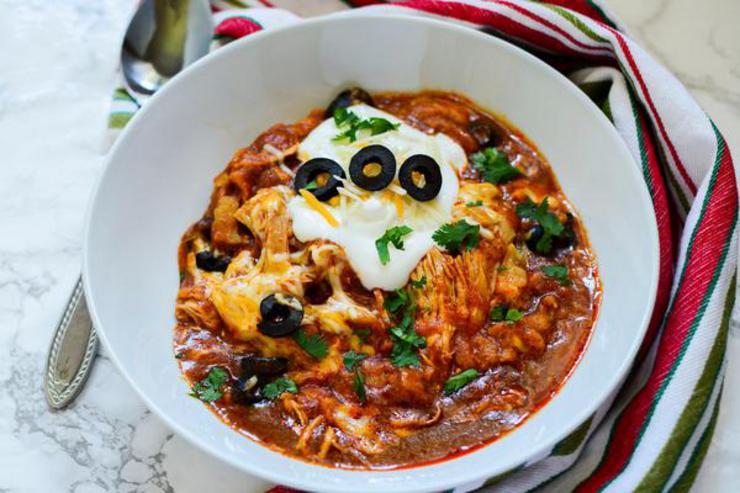 Easy Crockpot Chicken Enchilada Casserole