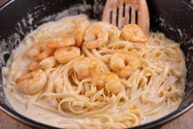 Easy Fettucine Alfredo Shrimp Pasta